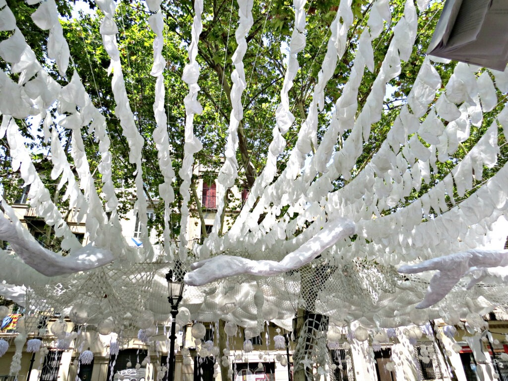 Barcelona Gracia White